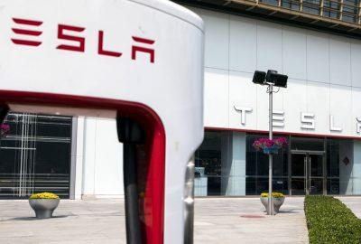 Προβάδισμα για την Tesla στη νέα εποχή