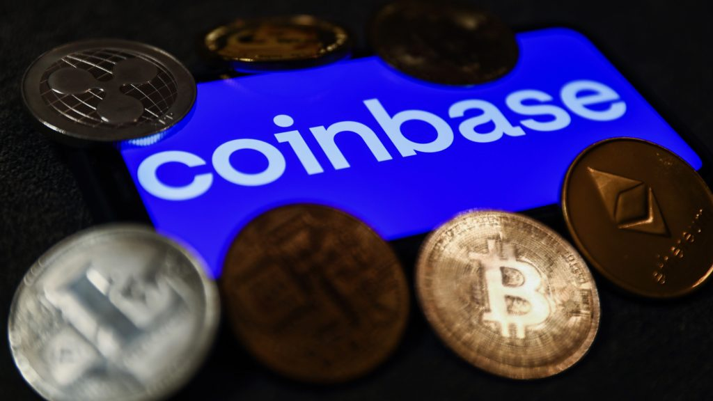 «Φτερά» έκαναν κρυπτονομίσματα από 6.000 χρήστες της Coinbase